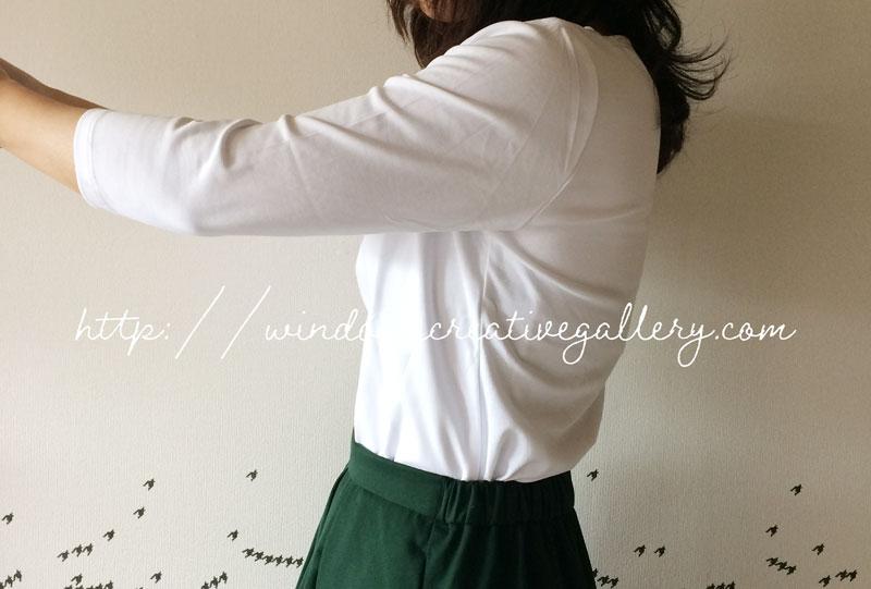 ドゥクラッセTシャツをスカートにイン